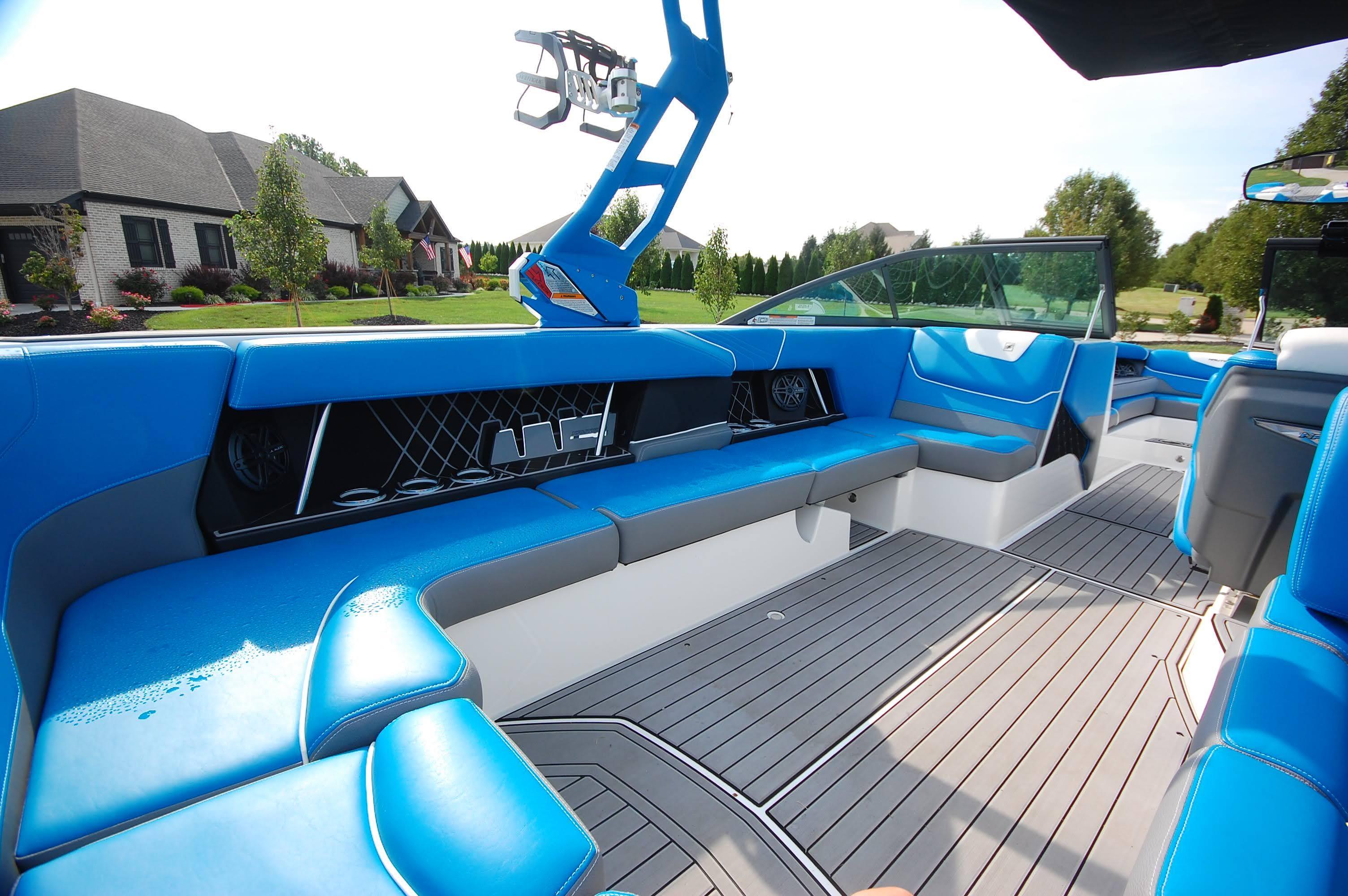 O 6438 HG Knot 10 Yacht Sales