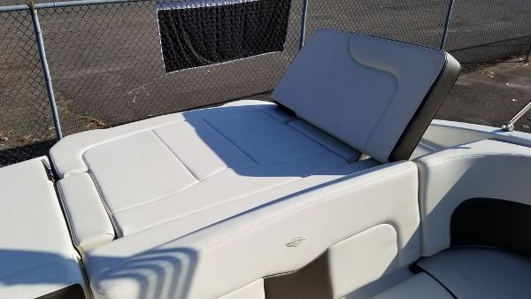 2021 Chaparral boat for sale, model of the boat is 237 SSX & Image # 4 of 24
