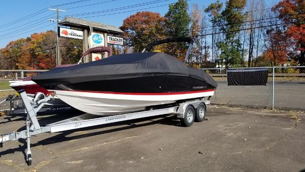 2021 Chaparral boat for sale, model of the boat is 237 SSX & Image # 5 of 24