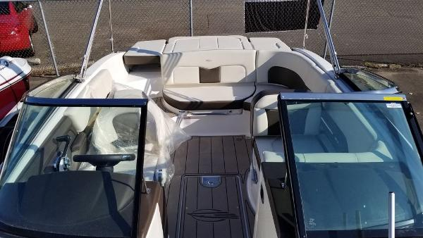 2021 Chaparral boat for sale, model of the boat is 237 SSX & Image # 6 of 24