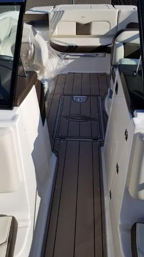 2021 Chaparral boat for sale, model of the boat is 237 SSX & Image # 8 of 24