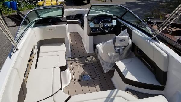 2021 Chaparral boat for sale, model of the boat is 237 SSX & Image # 9 of 24