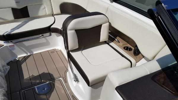 2021 Chaparral boat for sale, model of the boat is 237 SSX & Image # 13 of 24