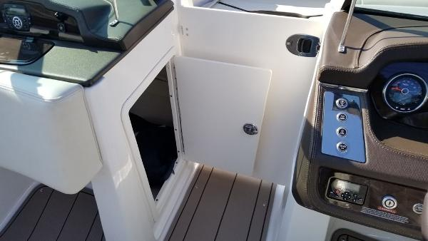 2021 Chaparral boat for sale, model of the boat is 237 SSX & Image # 18 of 24