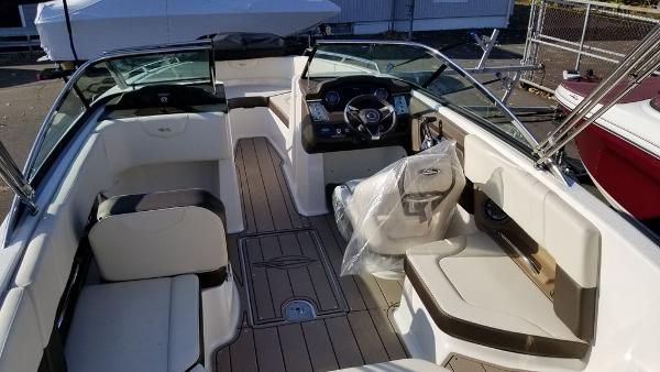2021 Chaparral boat for sale, model of the boat is 237 SSX & Image # 19 of 24
