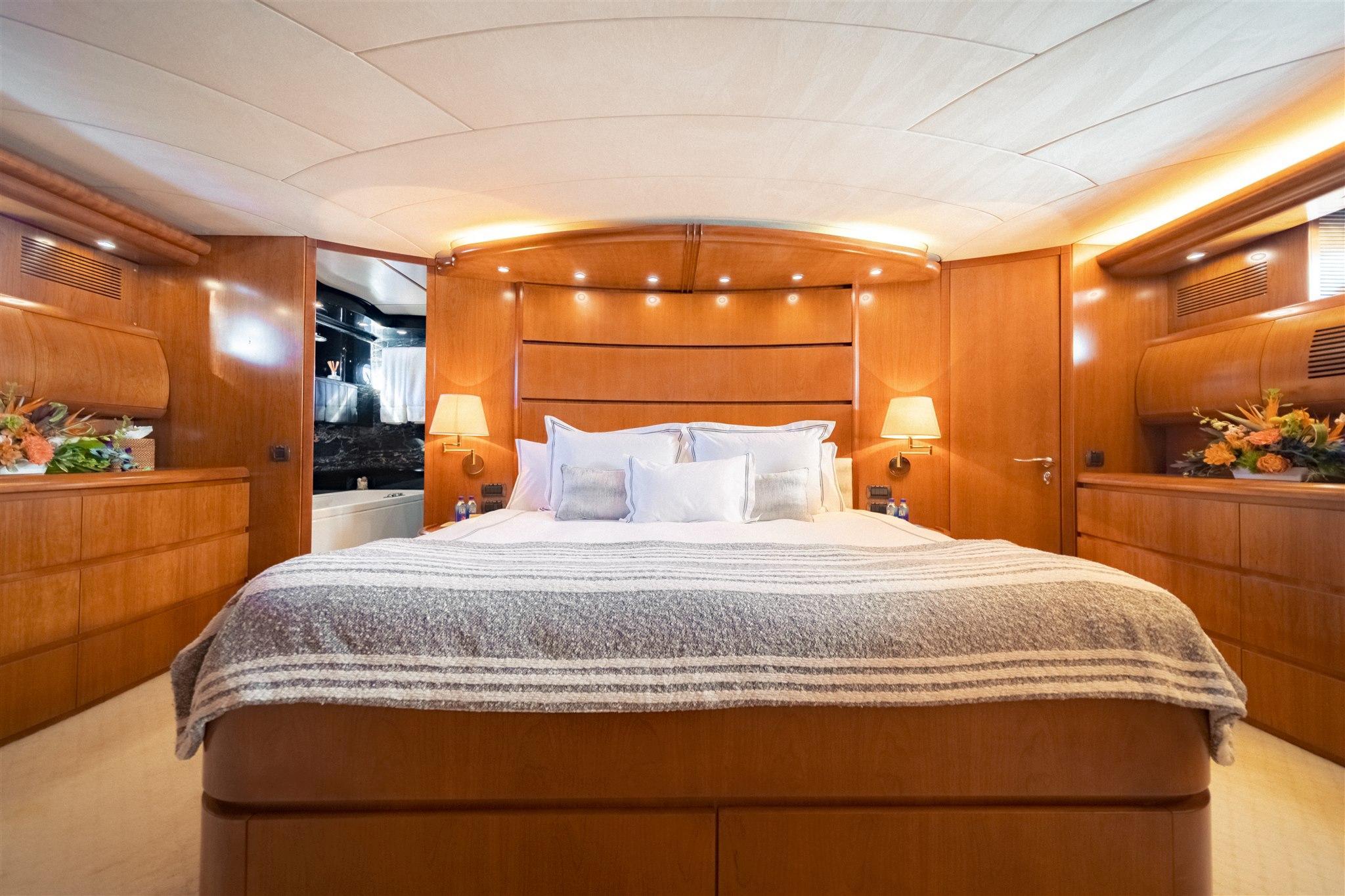 Maiora 96 Motor Yacht Master Stateroom