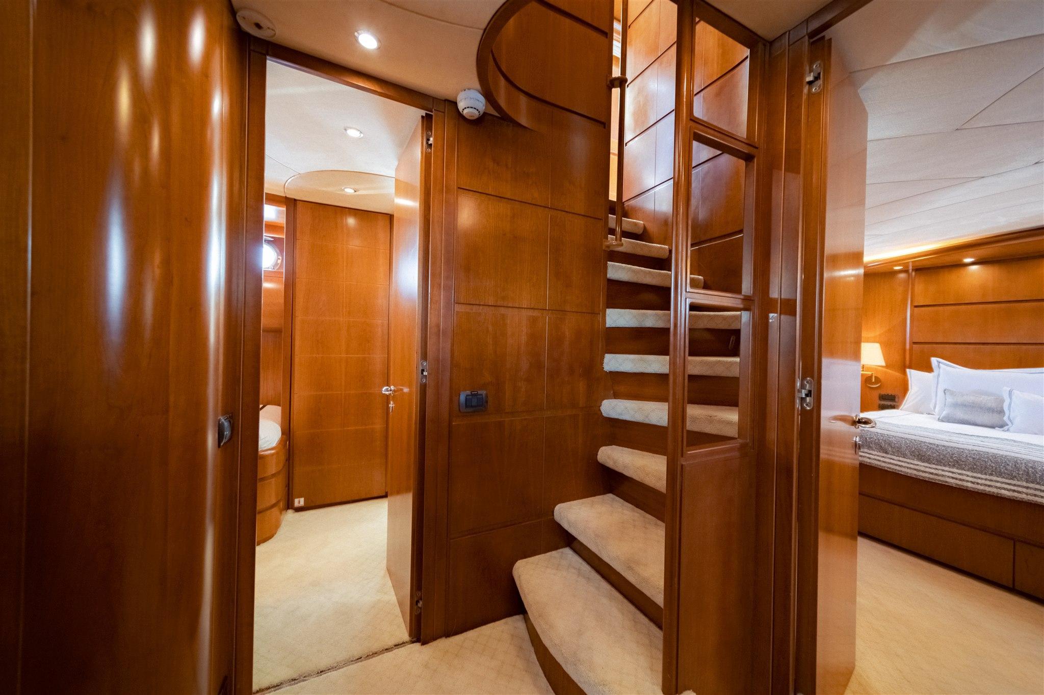 Maiora 96 Motor Yacht Guest Stateroom Head Starboard