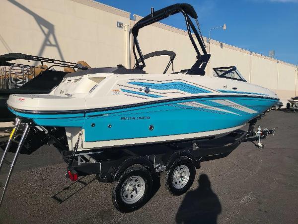 2022 Bayliner boat for sale, model of the boat is VR5 Bowrider I/O & Image # 3 of 24