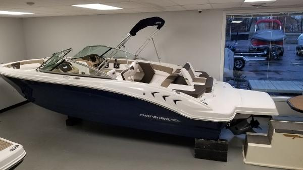 2021 Chaparral boat for sale, model of the boat is 21 SSi & Image # 1 of 11