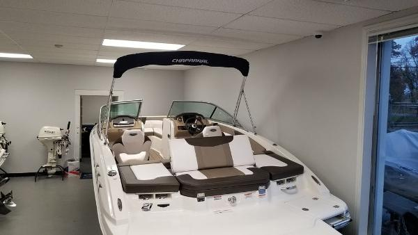 2021 Chaparral boat for sale, model of the boat is 21 SSi & Image # 3 of 11