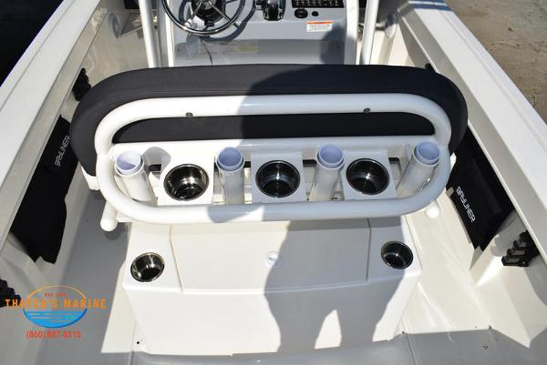2021 Bayliner boat for sale, model of the boat is Trophy 20CC & Image # 8 of 48
