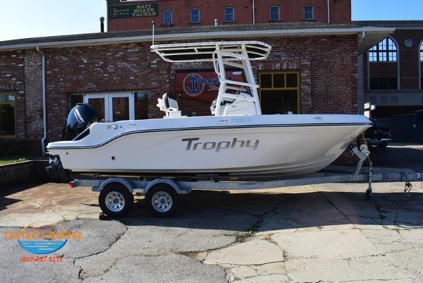 2021 Bayliner boat for sale, model of the boat is Trophy 20CC & Image # 11 of 48