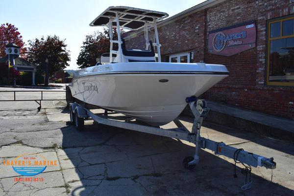 2021 Bayliner boat for sale, model of the boat is Trophy 20CC & Image # 17 of 48