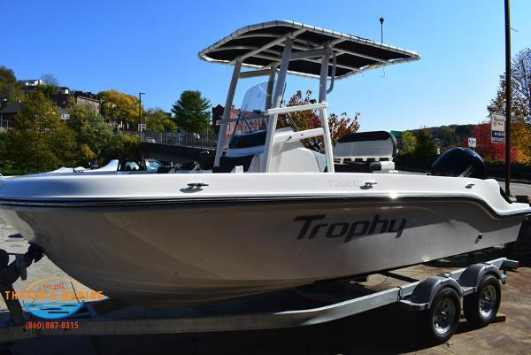 2021 Bayliner boat for sale, model of the boat is Trophy 20CC & Image # 41 of 48