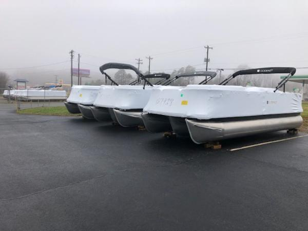 2021 Godfrey Pontoon boat for sale, model of the boat is SW 2286 SBX Sport Tube 27 in. & Image # 2 of 2