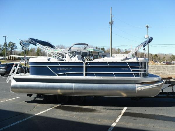 2021 Godfrey Pontoon boat for sale, model of the boat is SW 2286 SBX Sport Tube 27 in. & Image # 3 of 33