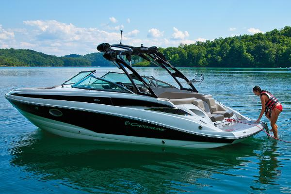 2021 Crownline boat for sale, model of the boat is 255 SS & Image # 3 of 9