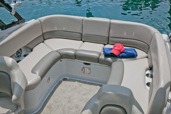 2021 Crownline boat for sale, model of the boat is 255 SS & Image # 6 of 9