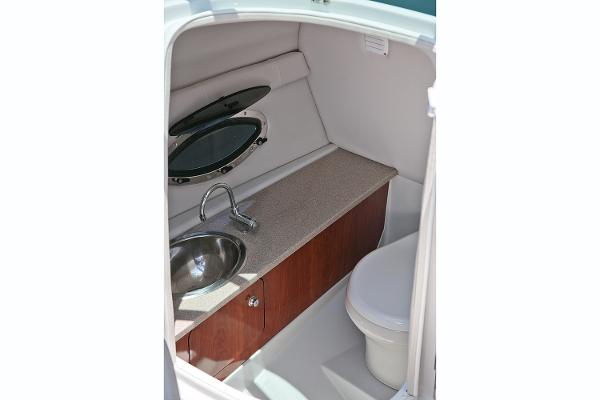 2021 Crownline boat for sale, model of the boat is 255 SS & Image # 8 of 9