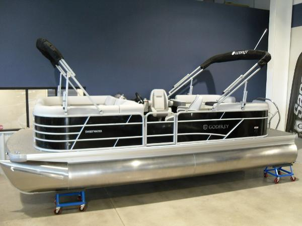 2021 Godfrey Pontoon boat for sale, model of the boat is SW 2286 SBX Sport Tube 27 in. & Image # 3 of 42
