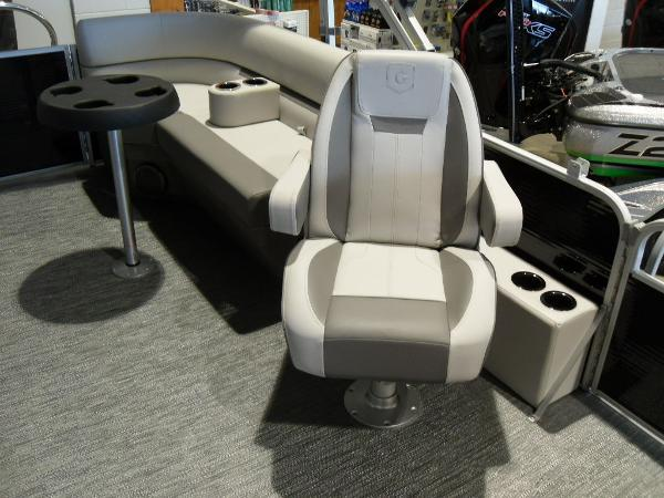 2021 Godfrey Pontoon boat for sale, model of the boat is SW 2286 SBX Sport Tube 27 in. & Image # 33 of 42