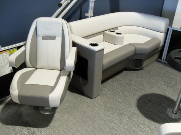 2021 Godfrey Pontoon boat for sale, model of the boat is SW 2286 SBX Sport Tube 27 in. & Image # 40 of 42