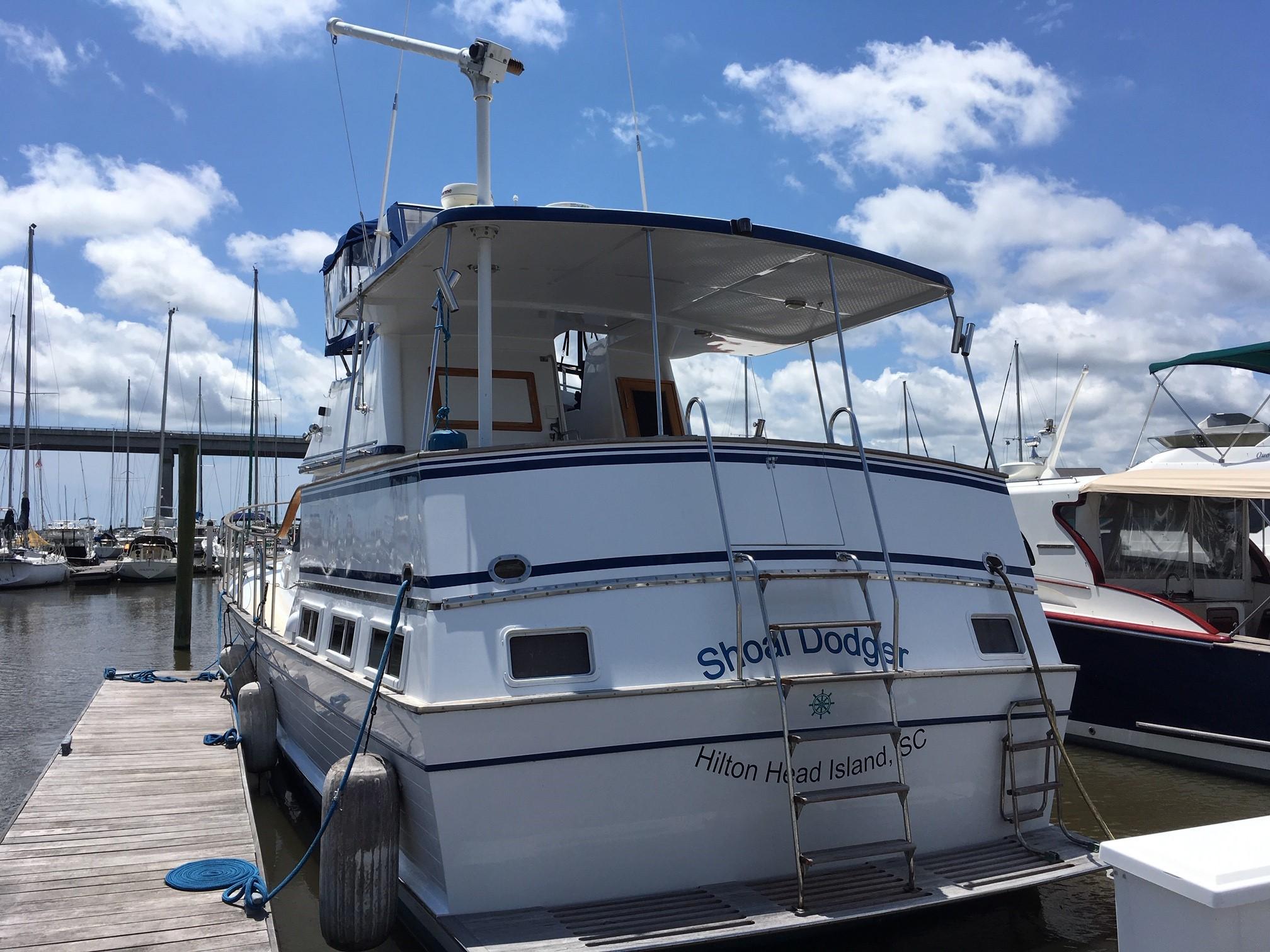 Marine Trader 43 LaBelle Trawler - marine trader 43 labelle stern