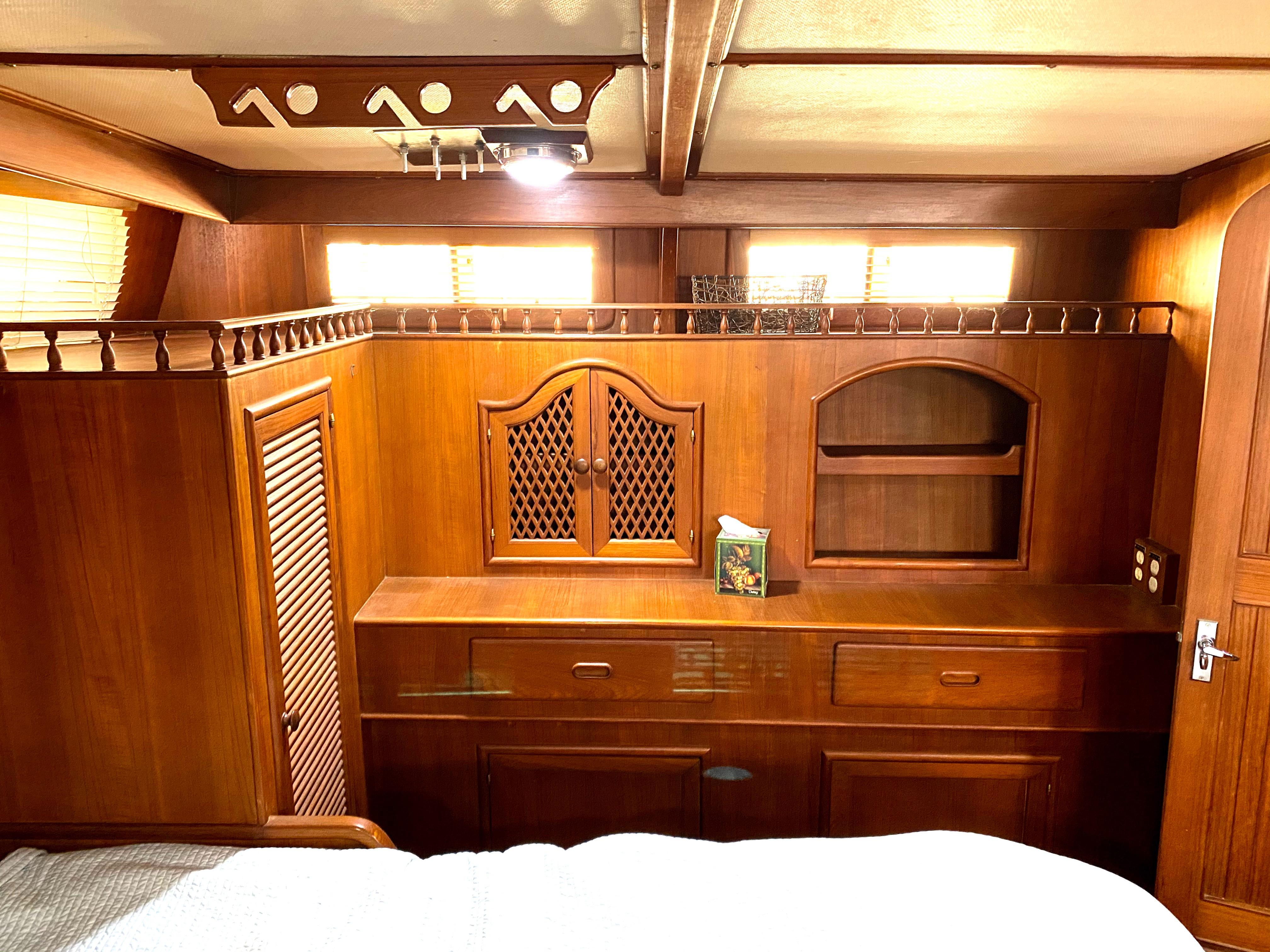Marine Trader 43 LaBelle Trawler - master aft cabin port cabinets