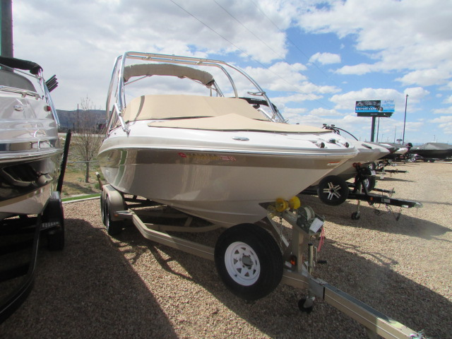 2005 Four Winns boat for sale, model of the boat is 230 Horizon & Image # 10 of 20
