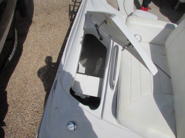 2005 Four Winns boat for sale, model of the boat is 230 Horizon & Image # 12 of 20