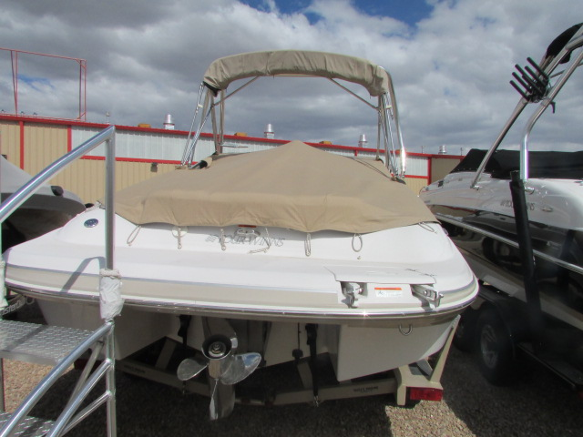 2005 Four Winns boat for sale, model of the boat is 230 Horizon & Image # 17 of 20
