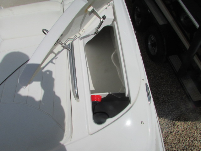 2005 Four Winns boat for sale, model of the boat is 230 Horizon & Image # 18 of 20