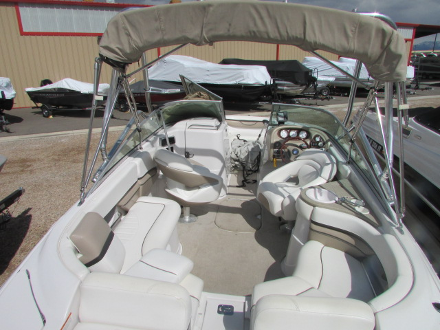 2005 Four Winns boat for sale, model of the boat is 230 Horizon & Image # 2 of 20