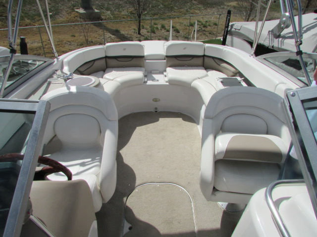 2005 Four Winns boat for sale, model of the boat is 230 Horizon & Image # 6 of 20