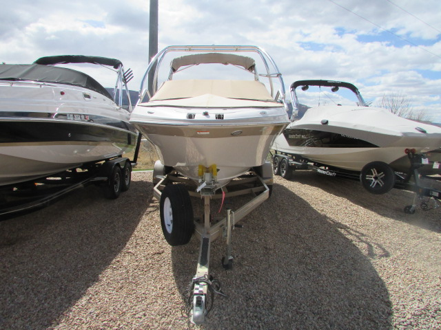 2005 Four Winns boat for sale, model of the boat is 230 Horizon & Image # 9 of 20