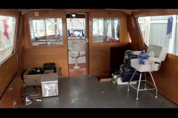 Chris-Craft Flushdeck Salon Motoryacht video