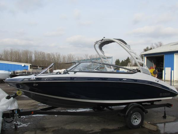 2021 Yamaha boat for sale, model of the boat is 195S & Image # 1 of 37