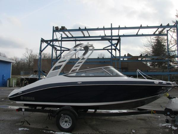 2021 Yamaha boat for sale, model of the boat is 195S & Image # 2 of 37
