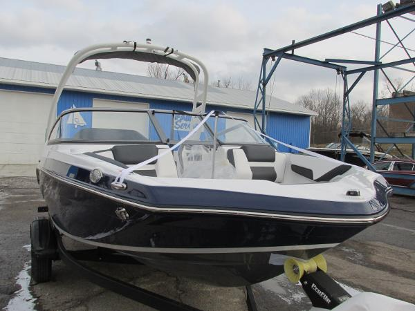 2021 Yamaha boat for sale, model of the boat is 195S & Image # 3 of 37