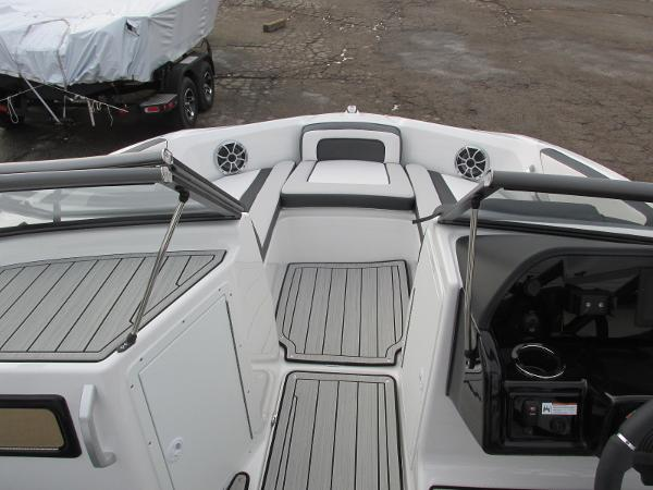 2021 Yamaha boat for sale, model of the boat is 195S & Image # 9 of 37