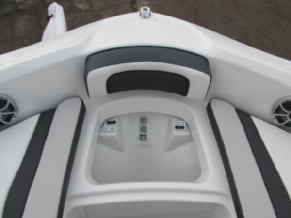 2021 Yamaha boat for sale, model of the boat is 195S & Image # 14 of 37