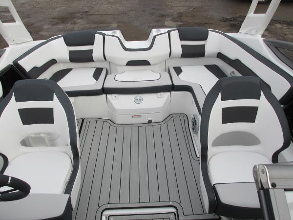 2021 Yamaha boat for sale, model of the boat is 195S & Image # 19 of 37