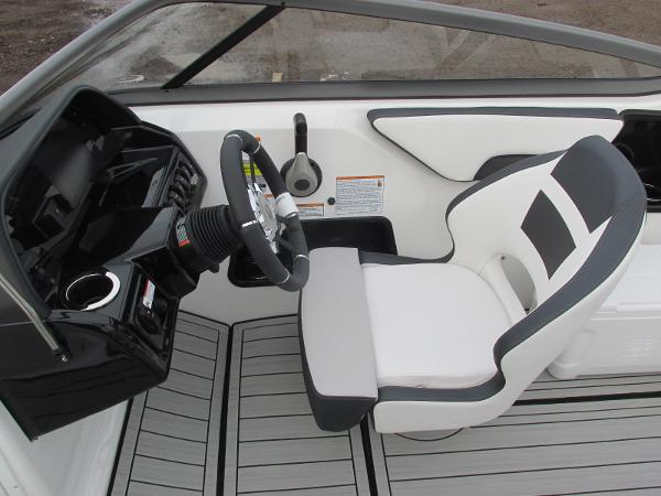 2021 Yamaha boat for sale, model of the boat is 195S & Image # 28 of 37