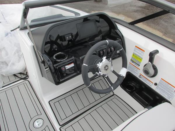 2021 Yamaha boat for sale, model of the boat is 195S & Image # 30 of 37