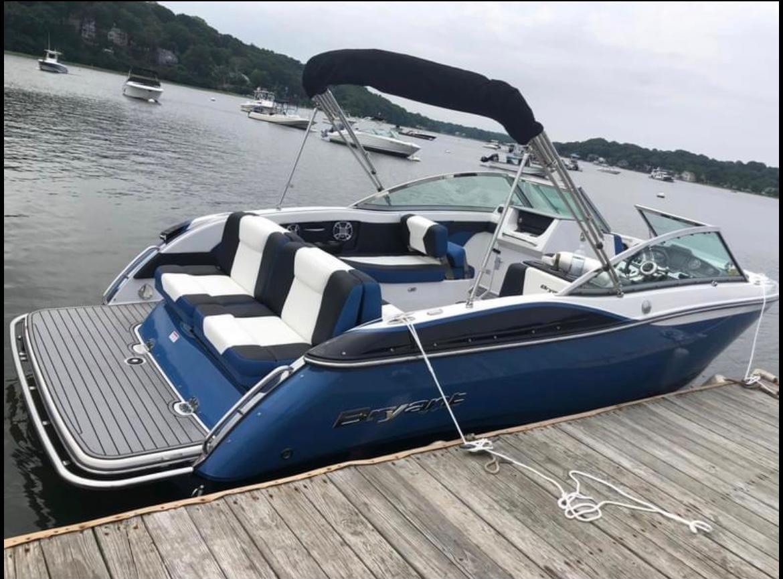 NY 6131 KM Knot 10 Yacht Sales