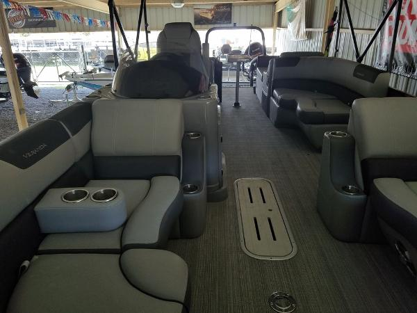 2021 Veranda boat for sale, model of the boat is VR22RFL Luxury Package Tri-Toon & Image # 8 of 10