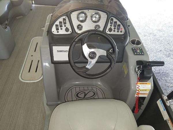 2021 Veranda boat for sale, model of the boat is VR22RFL Luxury Package Tri-Toon & Image # 9 of 10