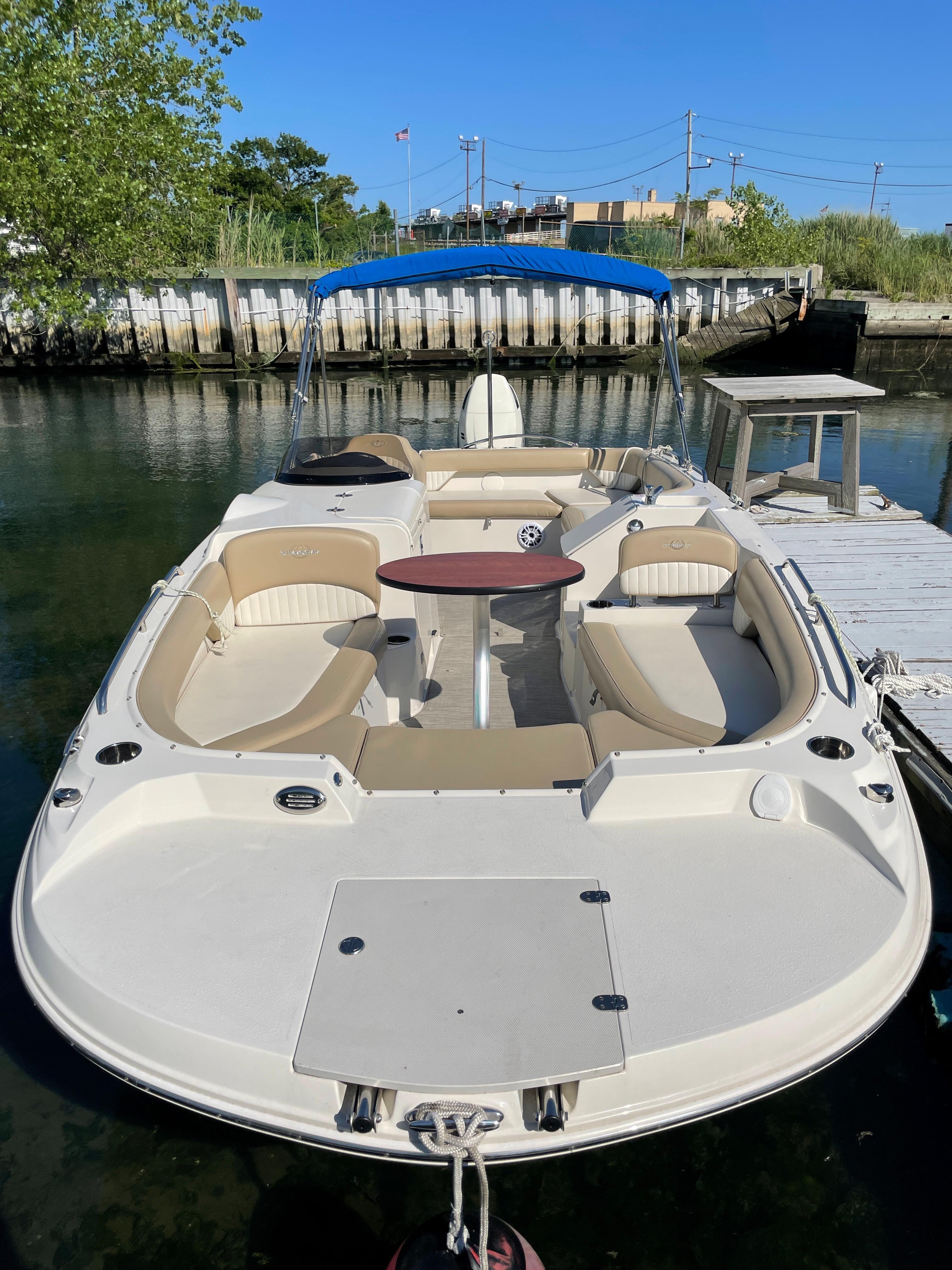 NY 6130 KM Knot 10 Yacht Sales