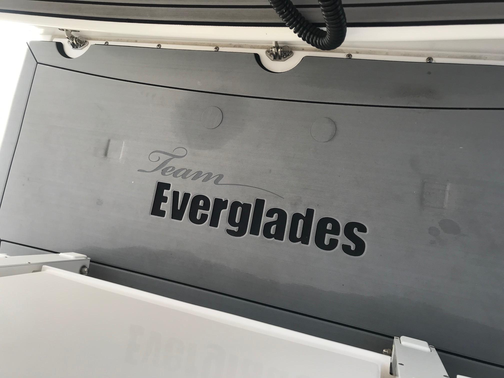 2018 Everglades 435 Center Console