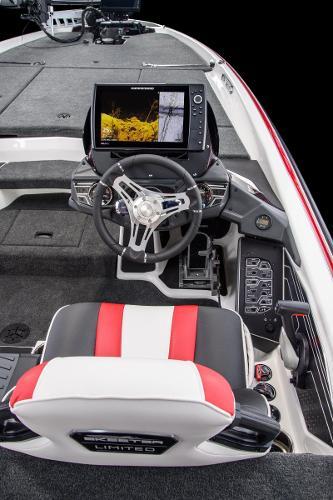 2021 Skeeter boat for sale, model of the boat is FXR21LE & Image # 5 of 15